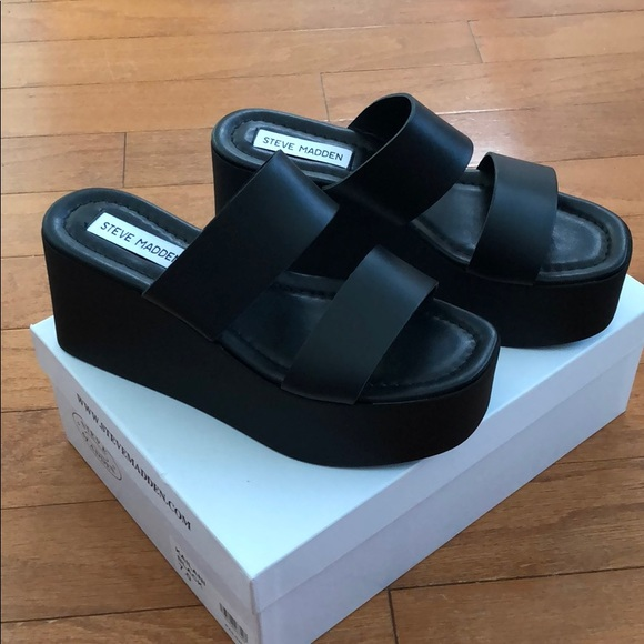 a2e8d35673c Steve Madden Kailani Black platform sandals NWT